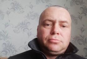 Vitaliy, 43 - Just Me