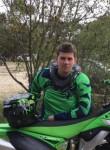 Julien, 21  , Saint-Remy-les-Chevreuse