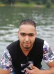 Ayoub, 18  , Turin