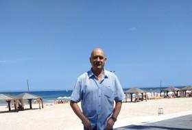 Oleg, 55 - Just Me