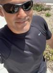 Christev, 37  , Riverside (State of California)