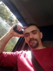 Adis, 40, Bosnia and Herzegovina, Sarajevo