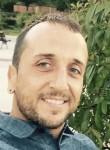 Victor, 35  , Madrid