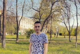 Aleksandr , 23 - Just Me