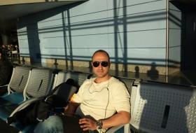 Javier, 42 - Just Me
