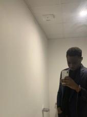 Beat, 24, France, Paris
