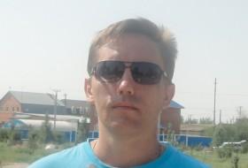 Maksimus, 42 - Just Me