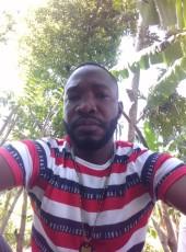 roosevalt, 35, Haiti, Petionville