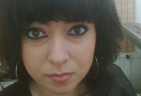 Anya, 33 - Just Me