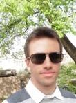 Thomas, 23  , Chatillon