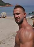 Slavik, 42  , Slavyanka