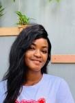 Esther, 22, Abidjan
