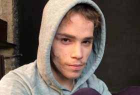 Maksim, 18 - Just Me