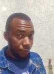 Steph , 26  , Lusaka