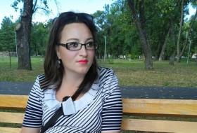 Elena, 32 - Just Me