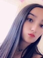 Chloé , 18, France, Nice