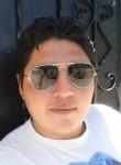 bryan, 25, Quito