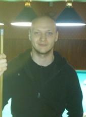 Oleg, 27, Russia, Megion