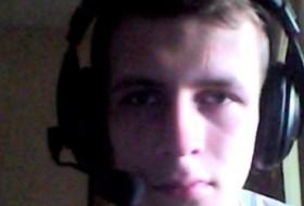 Oleg, 22 - Just Me