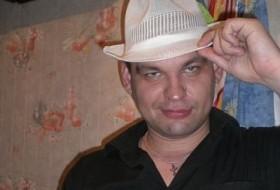 Pasha, 35 - Just Me