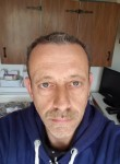 Pascal, 52  , Villefontaine