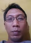 Ariev, 40, Bandung