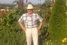 Georgiy, 72 - Just Me
