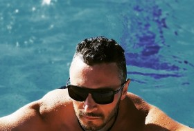 Artem, 30 - Just Me