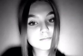 Sonya, 18 - Just Me
