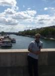 Adrian, 24, Paris
