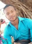 Djibril, 25  , Dori