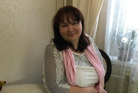 Elenka, 56 - Just Me