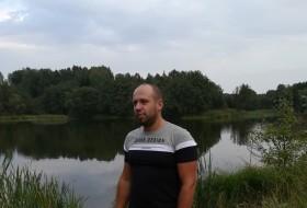 vik163, 35 - Just Me