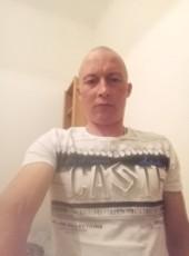 Den, 37, Hungary, Szentendre