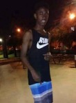 Vinicius, 18, Belo Horizonte