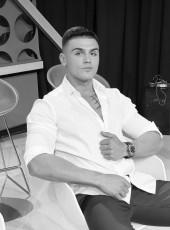 Billy Clayed, 22, Kosovo, Pristina