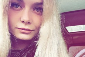 Elena , 25 - Just Me