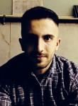 Memduh , 23, Istanbul