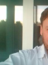 Dmitriy, 40, Belarus, Vilyeyka