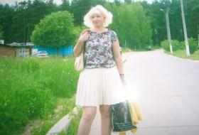 Tanya, 49 - Just Me