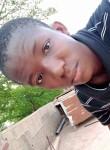 Adama, 18  , Bamako