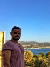 Guven, 36, Turkey, Istanbul