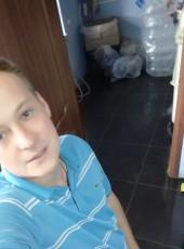 Oleg, 25, Ukraine, Hadyach