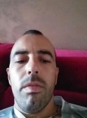 Boni, 26, Italy, Turin