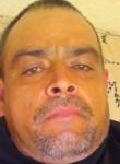 Roberto, 38  , Salinas