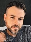 Cowen max, 35  , Canada de Gomez