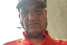 Ali, 45 - Just Me
