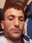 Hasan, 43  , Madrid