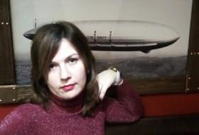 Elena, 19 - Just Me