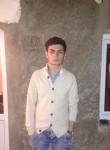 nikoloz, 19  , Borjomi